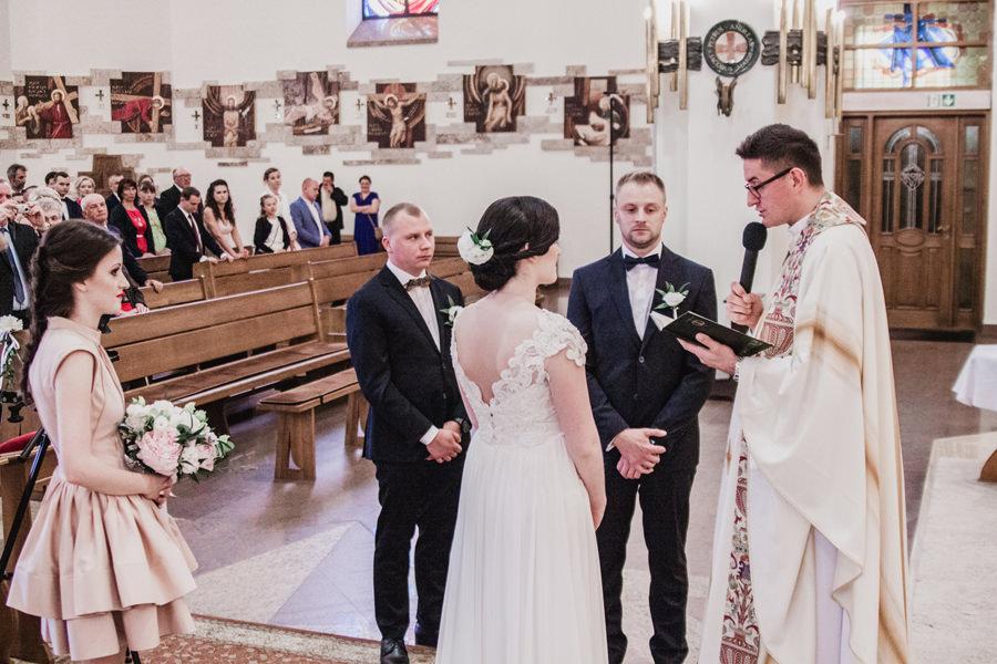 suknie ślubna z trenem