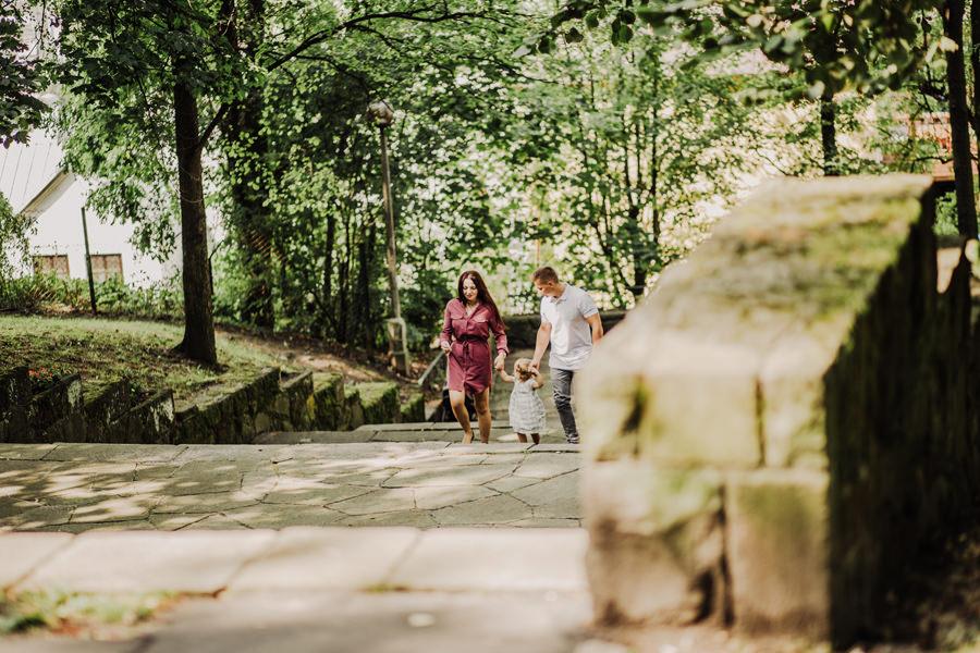 Sesja narzeczeńska w Parku Bednarskiego