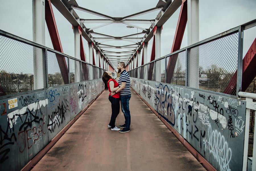 Sesja na moście kolejowym w Krakowie