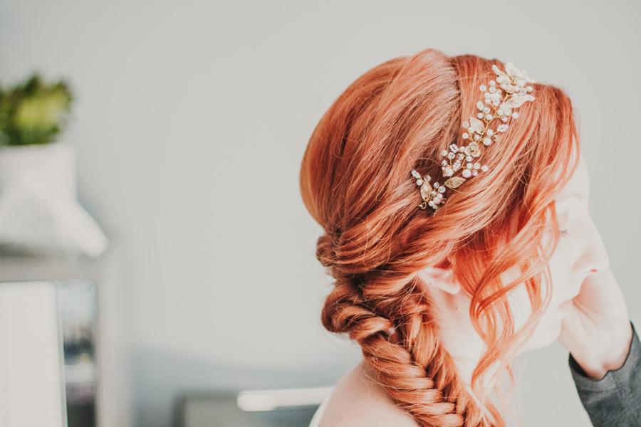 Kwiaty na włosach
