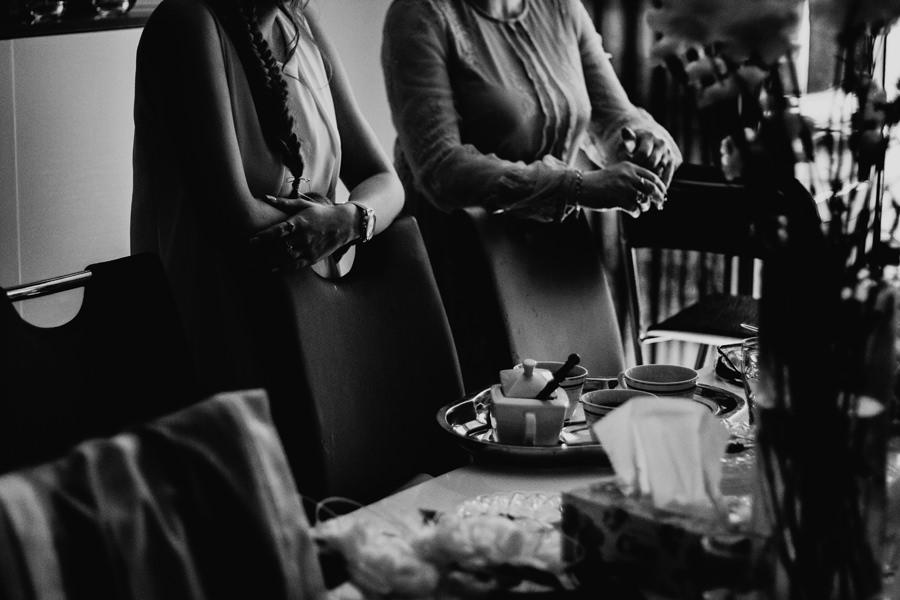 Przygotowania panny młodej w dniu ślubu