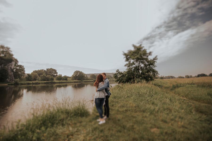 naturalna sesja narzeczeńska w Krakowie