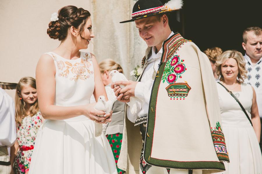 gołębie na ślubie