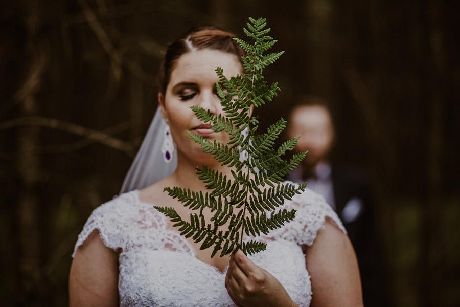 plener ślubny paproć