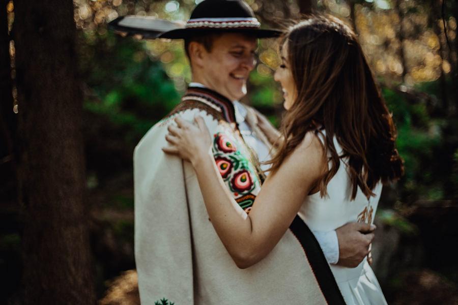 góralska sesja ślubna