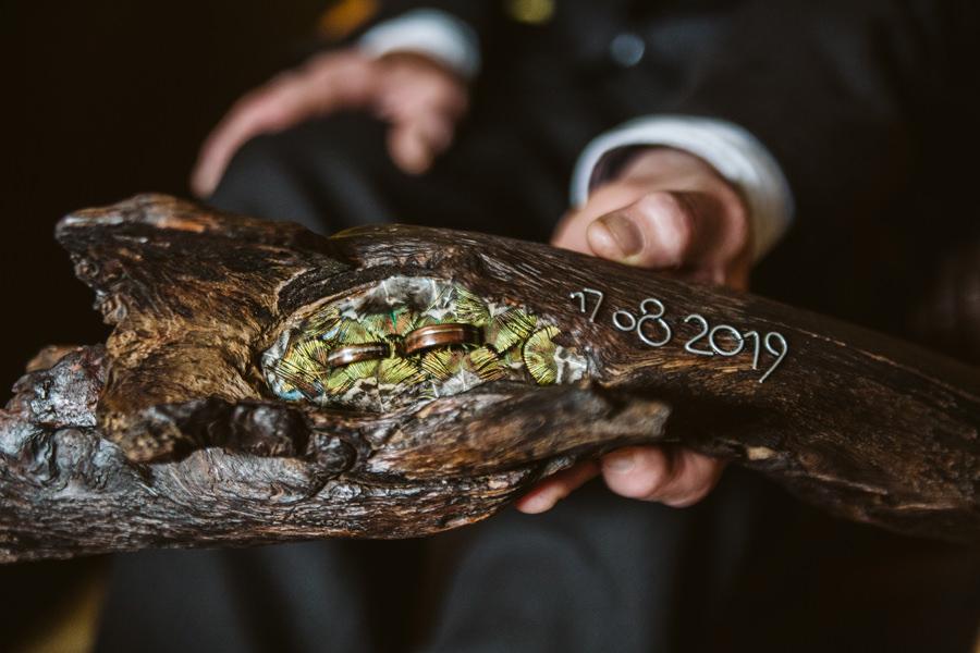 ręcznie robione obrączki z drewna