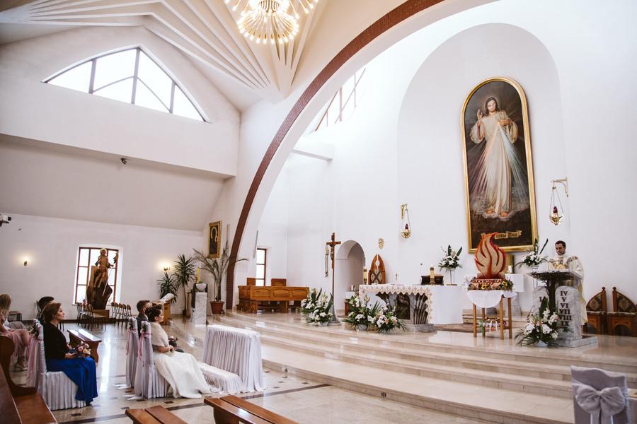 Nowy kościół w mszanie