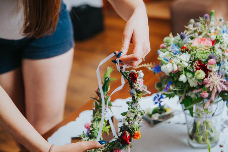 wianek na ślubie