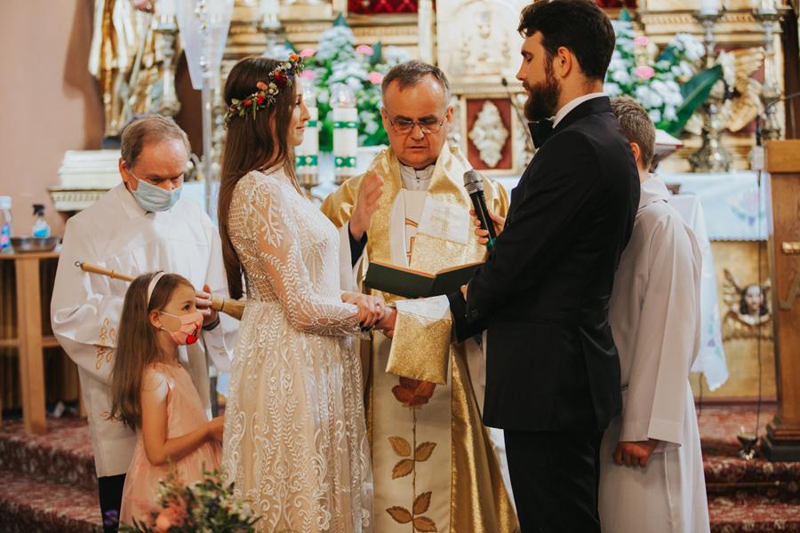 ślub w maseczkach